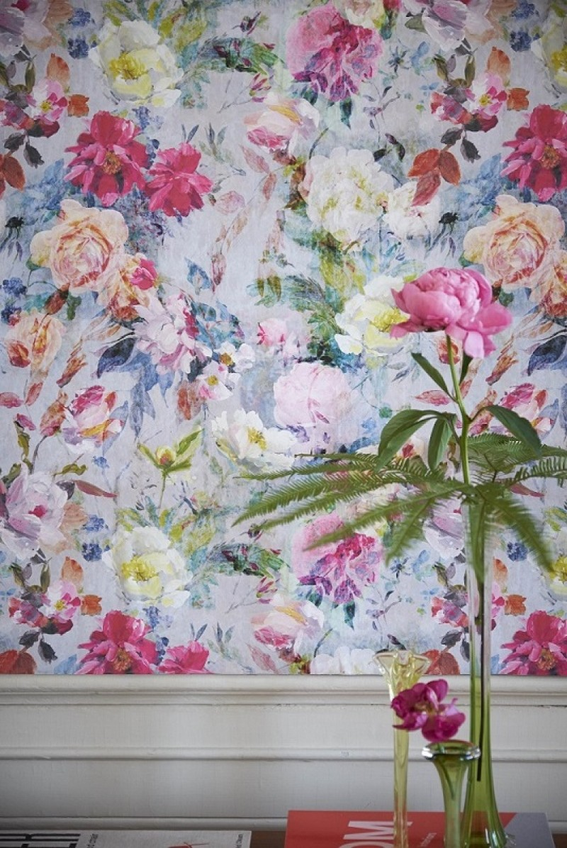 JARDIN DESPLNTES WALPAERS COUTURE ROSE WALLPAPER